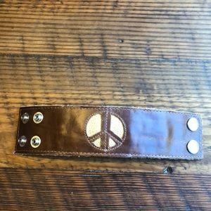 Jewelry - Leather brown/gold peace bracelet w/hidden zipper